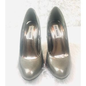 Steve Madden Closed Toe Patent Leather Pumps